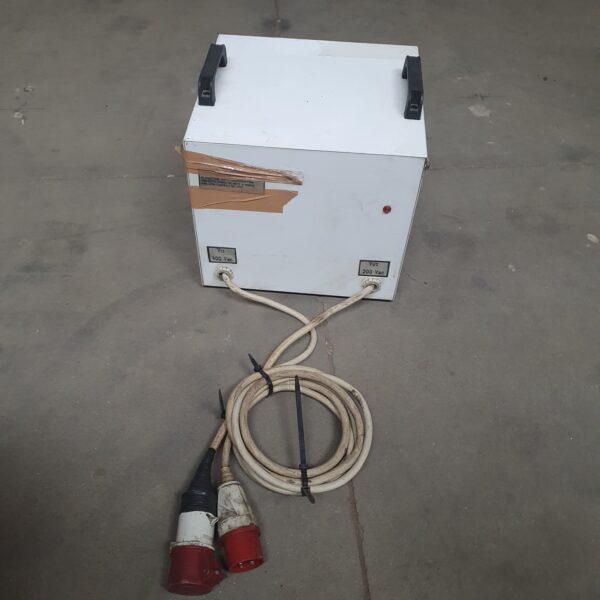 Stabilizator de tensiune G.M. Electric 380 V-220 V SH